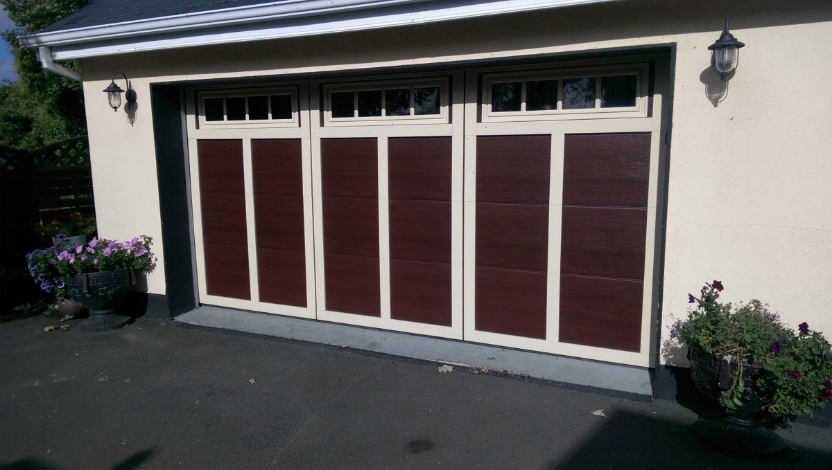 premier garage doors homepage